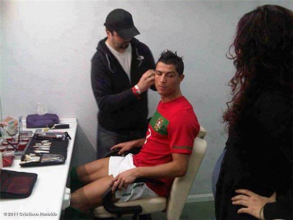 Ronaldo prepares to Holland